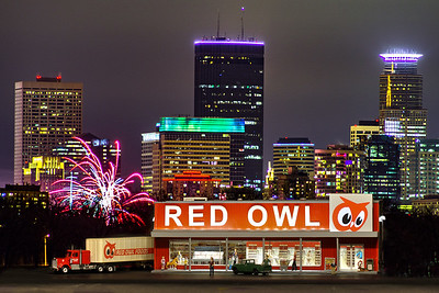 Red Owl with Holidazzle background