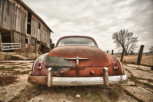 Rusty old car near Pearl City, IL