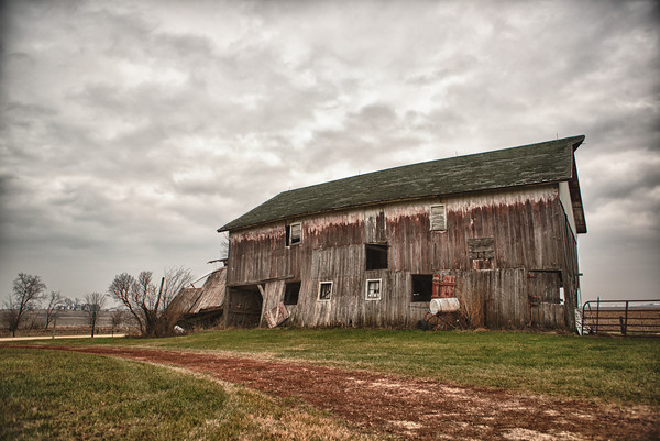 Old barn near Pearl City, IL.