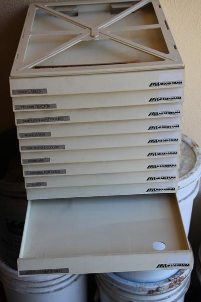 ScrapbookPaperHolder