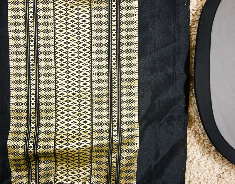 $25 - Fabric from Thailand (detail) - pic 2/2