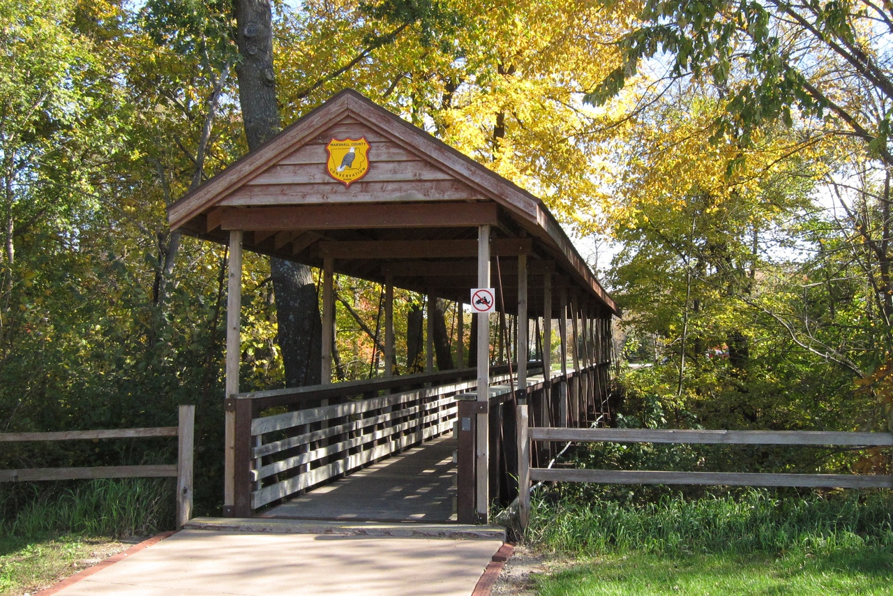 The bridge leading from the parking lot to the nature center