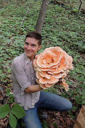 Cody shows off her find, a Laetiporus cincinnatus