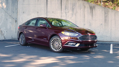 2017 Ford Fusion Hybrid Platinum Parked Reel