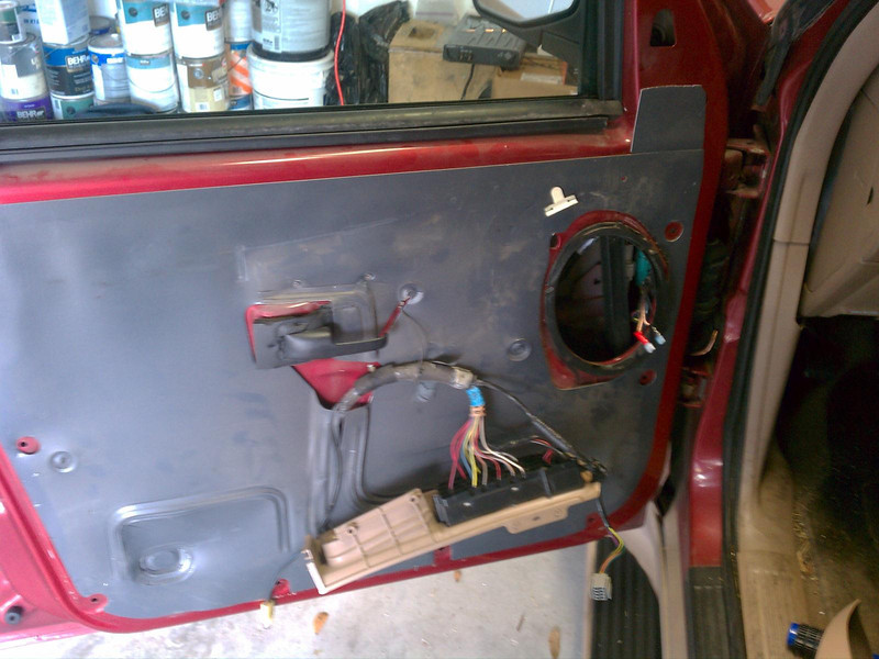 Factory 5x7'' / 6x8'' speaker removed
