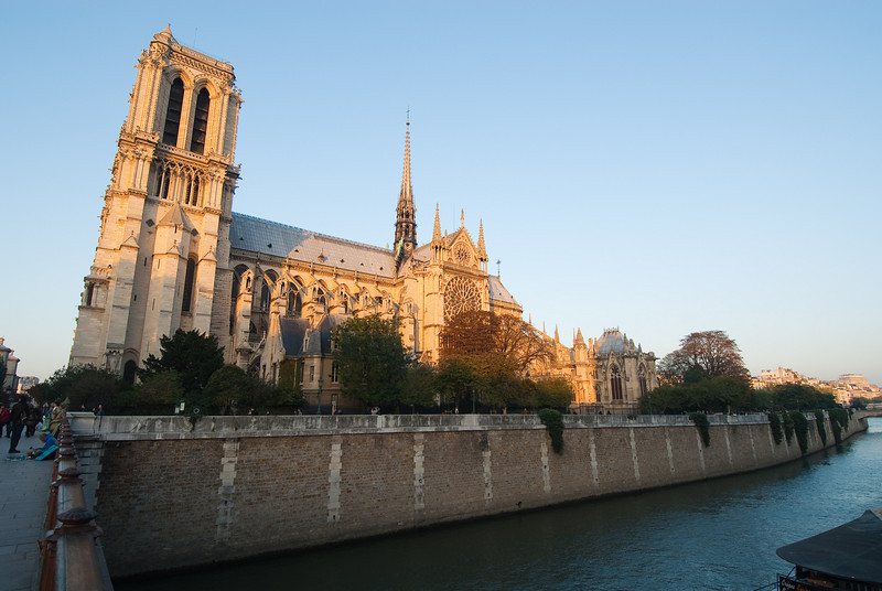 Notre-Dame - A beautiful day to arrive in Paris.