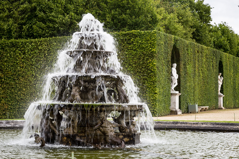Versailles Fountains and Gardens-15