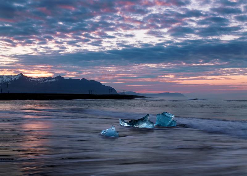 Black Sand Beach near Jokulsarlon Glacier lagoon
