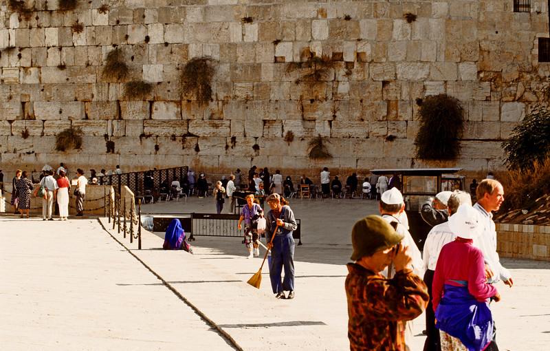 Women's side of the Western Wall 1992