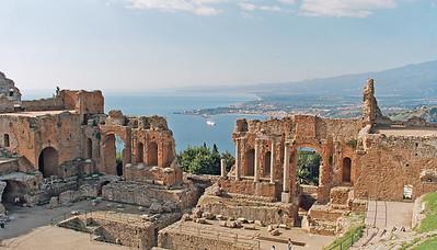 Taomina greco roman theater