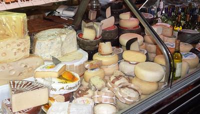 San Gimignano cheeses