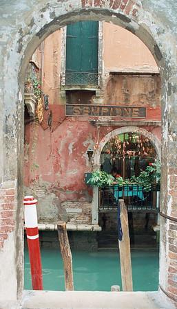Venice Arch Sempione restaurant