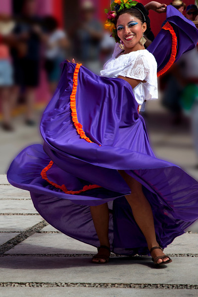 Costa Maya dancer