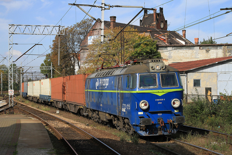 ET22-1215 Passes Gliwice on a East Bound Liner on Tuesday,1st Oct 2013.