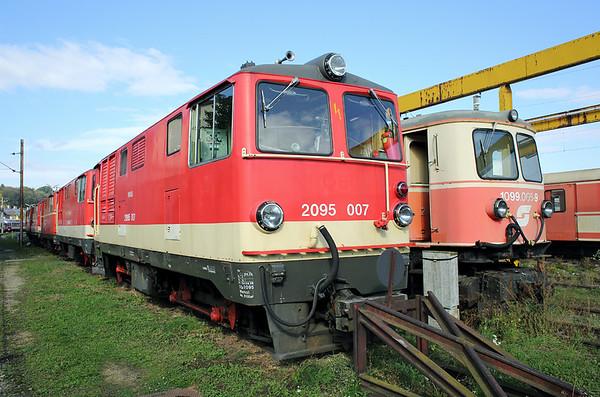 2095 007 and 1099 005, St Pölten Alpenbahnhof 17/10/2013