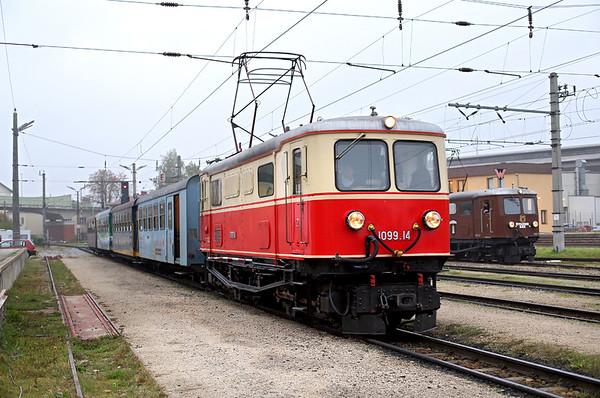 1099 014 St Pölten Alpenbahnhof 15/10/2013 P6805 0730 St Pölten Hbf-Mariazell