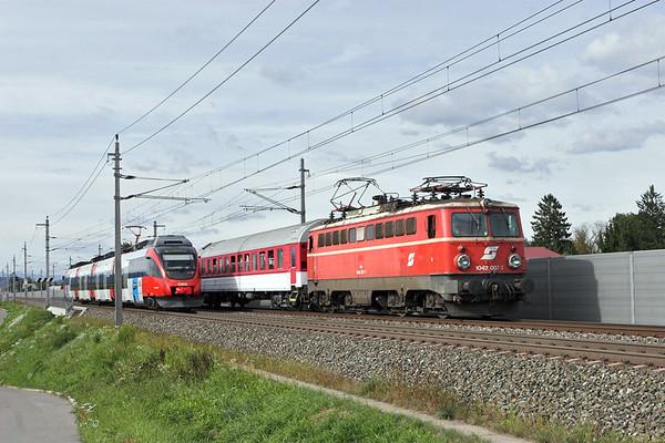 1042 007 and 4024 002, Graz Feldkirchen 10/9/2010 4024 002: S5 1554 Werndorf-Bruck/Mur
