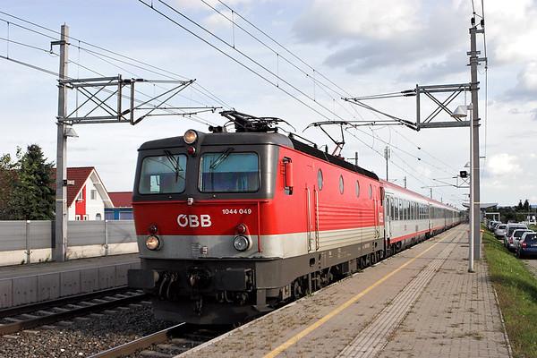 1044 049 Graz Feldkirchen Flughafen 10/9/2010 OIC258 1621 Maribor-Wien Meidling