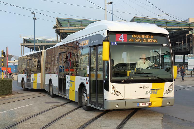 5813 1-HHU-104, Oostende 25/10/2016