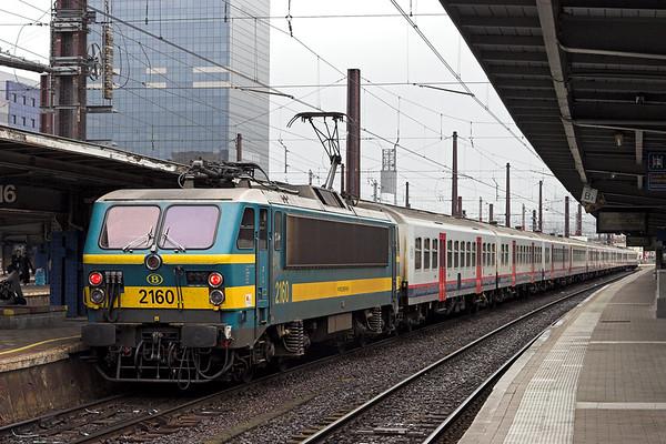 2160 Bruxelles-Midi 5/10/2011 IC1910 1038 Mouscron-Shaarbeek