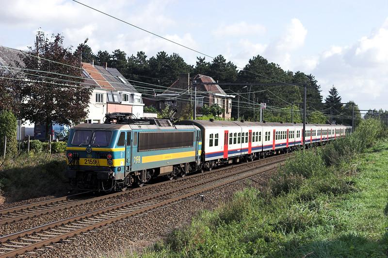 2159 Wetteren 7/10/2011<br /> IR4111 1118 Kortrijk-Leuven