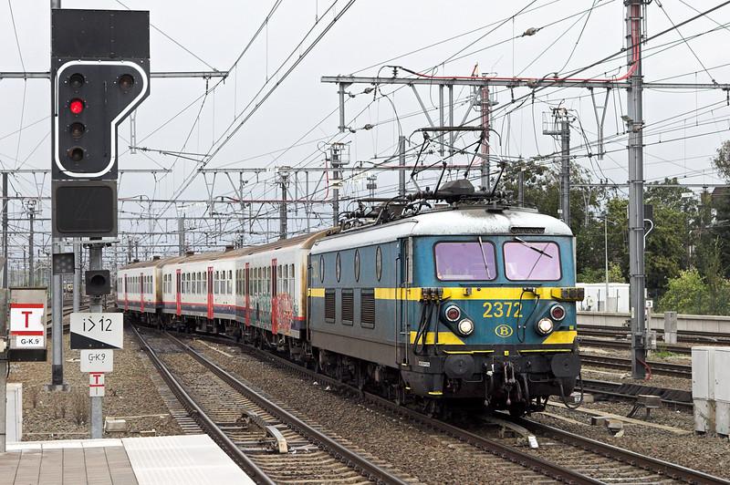 2372 Leuven 6/10/2011<br /> IC7515 0714 Mouscron-Leuven