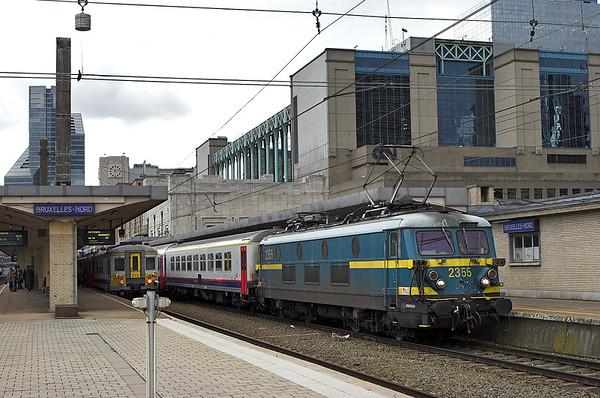 2355 Bruxelles-Nord 7/10/2011 IC8067 1639 Bruxelles Midi-Denderleeuw