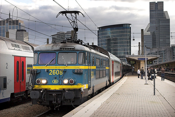 2608 Bruxelles-Nord 7/10/2011 IR3916 1616 Binche-Louvain La Neuve Uni