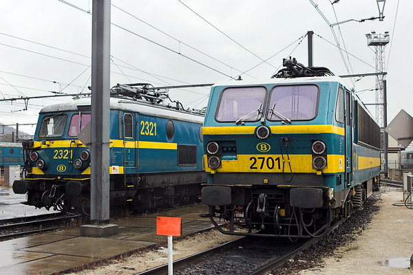 2701 and 2321, Charleroi Sud AT 8/10/2011