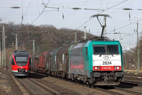 2834 and DB 644507, Köln West 6/3/2013 644507: RE10186 1216 Trier Hbf-Köln Messe/Deutz