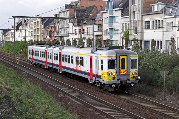 740 Wetteren 7/10/2011 R561 1137 Brugge-Mechelen