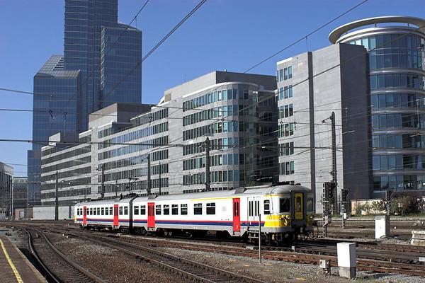 610 Bruxelles-Nord 16/8/2012 IC3759 0939 Brain Le Comte-Leuven
