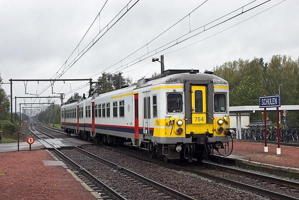754 Schulen 6/10/2011 R2460 1034 Leuven-Hasselt