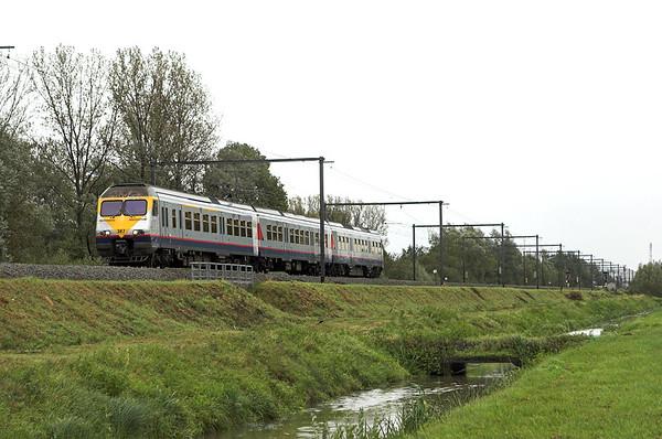 387 Schulen 6/10/2011 IR2933 1118 Liège Guillemins-Antwerpen Centraal