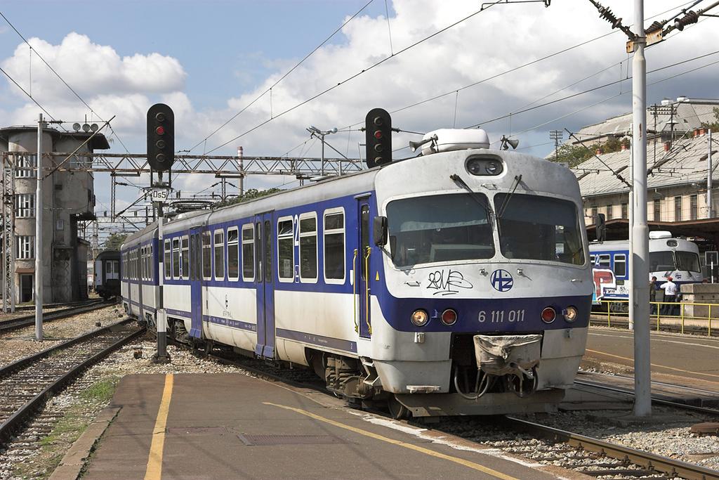 6111 011 Zagreb Gl.kol 14/9/2010<br /> 8045 1152 Savski Marof-Dugo Selo