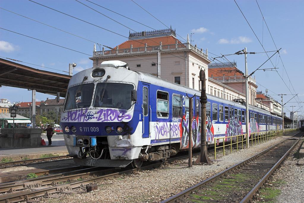 6111 009 Zagreb Gl.kol 14/9/2010<br /> 8044 1149 Dugo Selo-Savski Marof