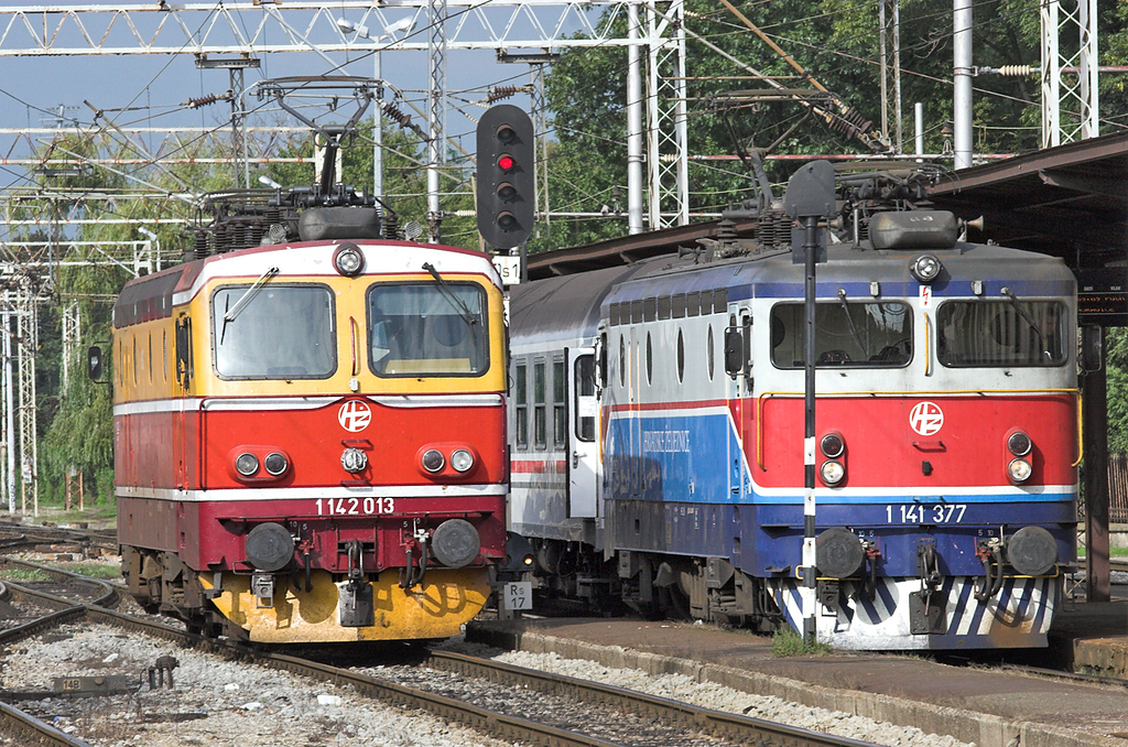 1142 013 and 1141 377, Zagreb Gl.kol 14/9/2010