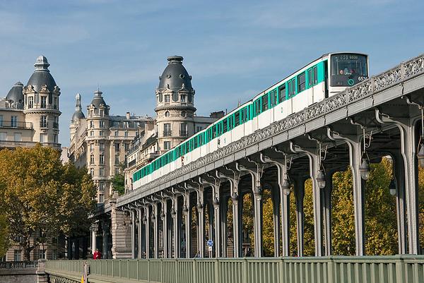 6536, Pont de Bir-Hakeim 24/10/2011 Line 6 Charles de Gaulle Étoile-Nation