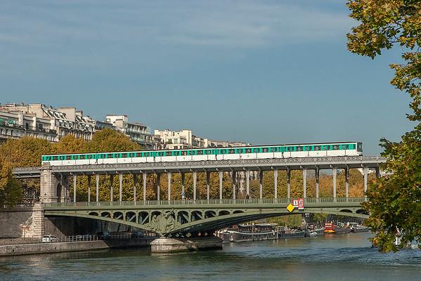 6510, Pont de Bir-Hakeim 24/10/2011 Line 6 Charles de Gaulle Étoile-Nation