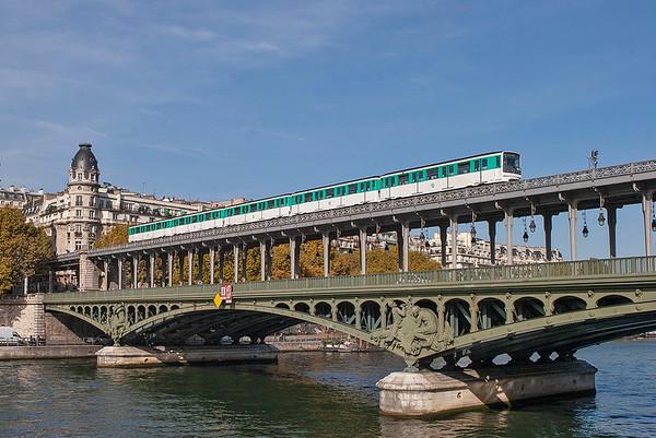 6516, Pont de Bir-Hakeim 24/10/2011 Line 6 Charles de Gaulle Étoile-Nation