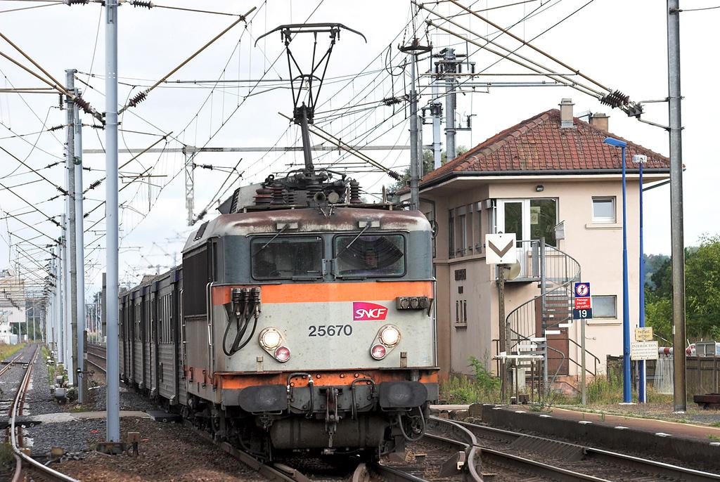 525670 Hochfelden 13/9/2012<br /> 830120 1655 Strasbourg-Saverne