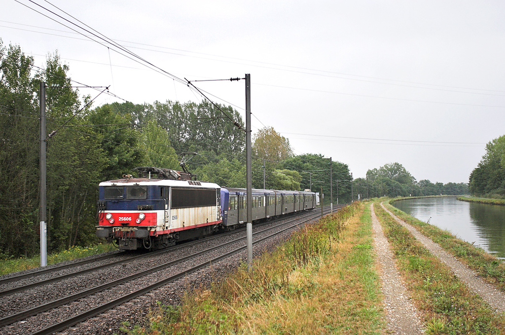 825606 Steinbourg 11/9/2012<br /> 830120 1655 Strasbourg-Saverne
