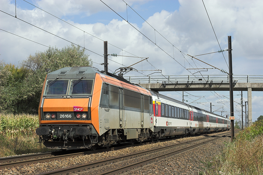 126166 Huttenheim 13/9/2012<br /> IC91 0733 Bruxelles Midi-Basel SNCF