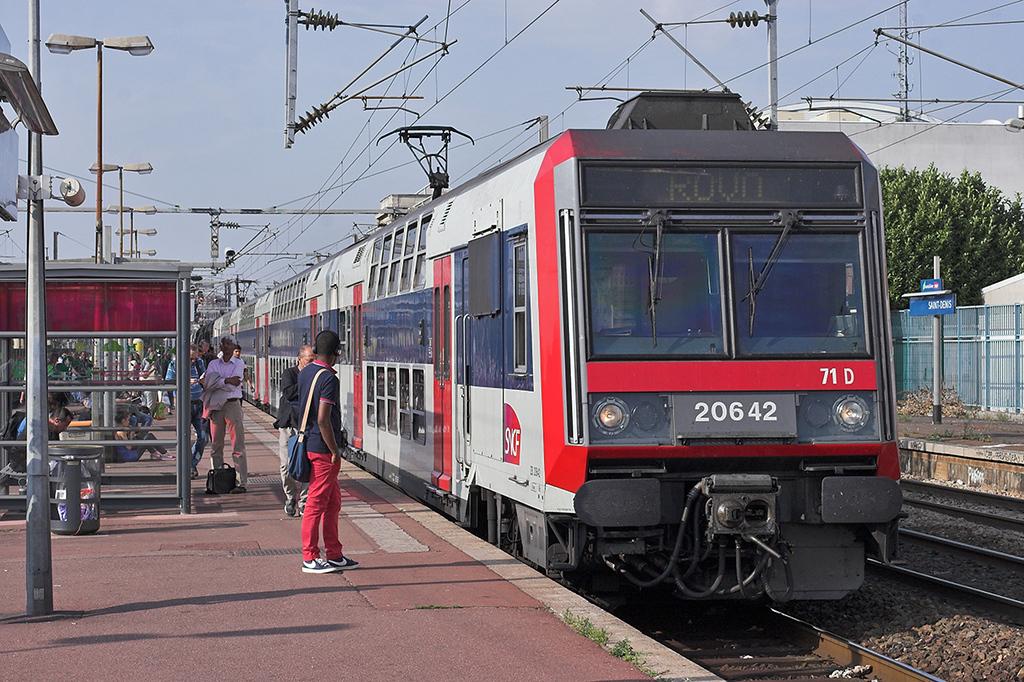 Z20642 Saint-Denis 10/9/2012<br /> RER D 1702 Villiers Le Bel Gonesse-Corbeil Essonnes