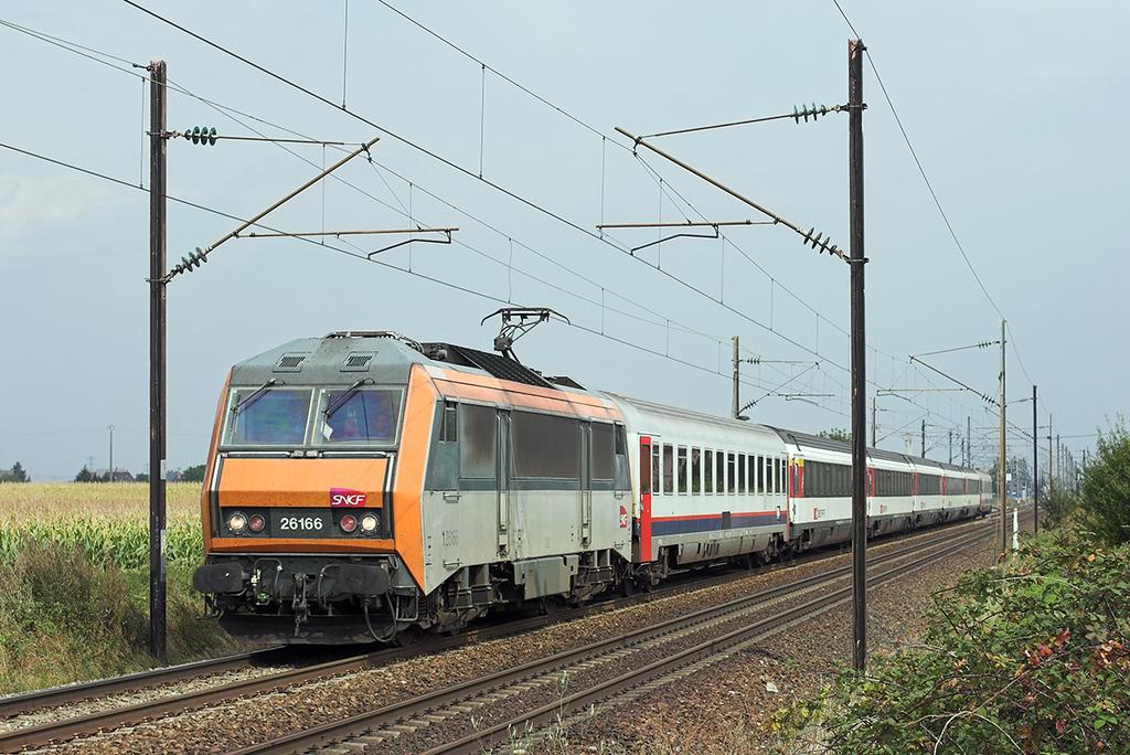 126166 Huttenheim 11/9/2012<br /> IC91 0733 Bruxelles Midi-Basel SNCF