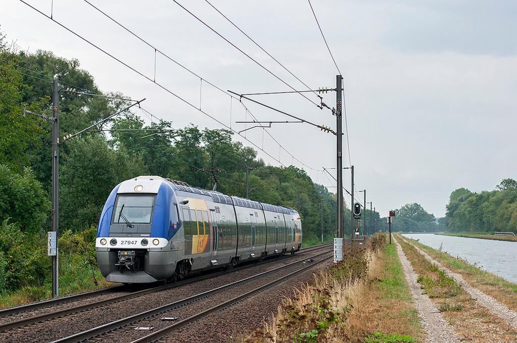 27947 Steinbourg 11/9/2012<br /> 830308 1550 Strasbourg-Metz Ville