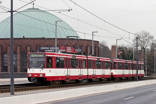 4286 and 4257, Oberkasseler Brücke 7/3/2013