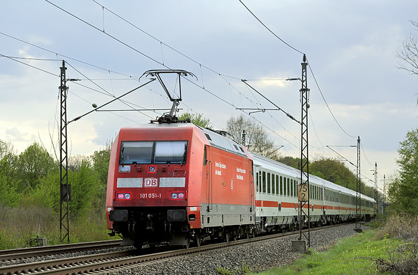 101051 Nersingen 4/5/2016 IC2261 1205 Karlsruhe Hbf-München Hbf
