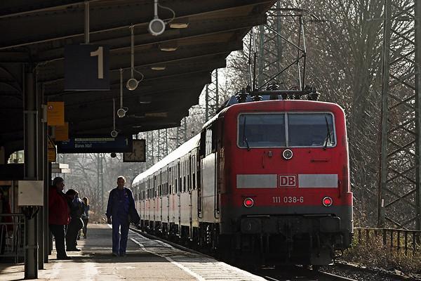 111038 Köln West 6/3/2013 RB11323 1445 Wuppertal Hbf-Bonn Hbf