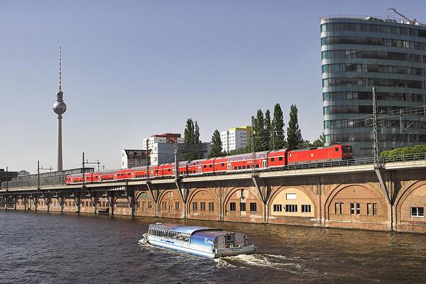 112104 Berlin-Jannowitzbrücke 9/5/2011 RE18121 1406 Magdeburg Hbf-Eisenhötten Stadt